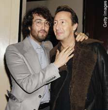 Sean y Julian Lennon, dos clones de John!