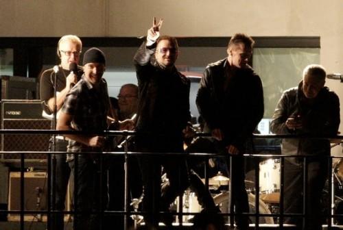 U2 en la terraza de la BBC 2009